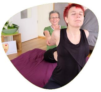 FLOW YogaThaiMassage